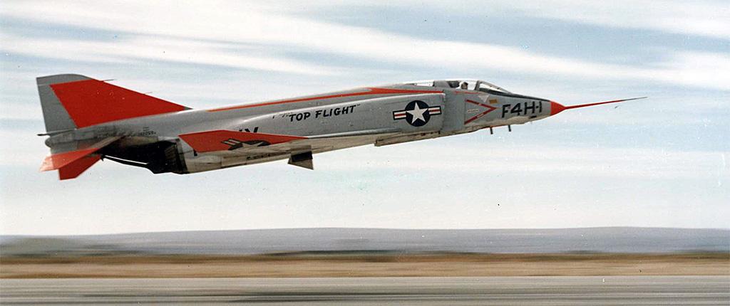 Vought XF8U-3 CRUSADER III [1/72 - Anigrand] Mcdonn10