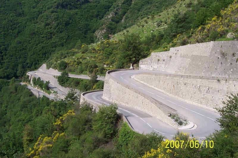 La Route des Grandes Alpes - Page 21 21300010