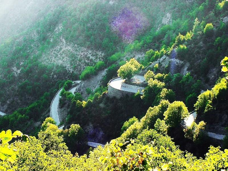 La Route des Grandes Alpes - Page 21 69000510