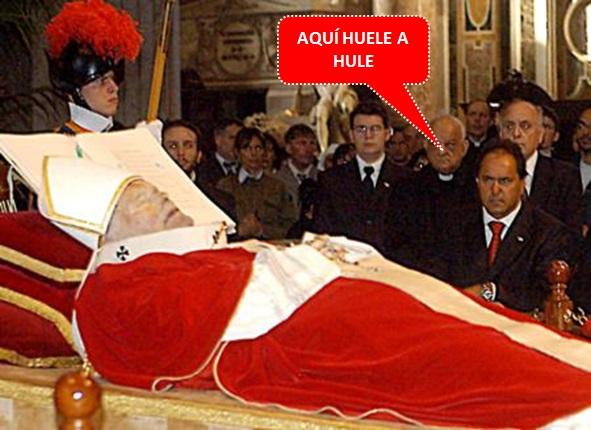 """JUAN PABLO II Y UN EXTRAÑO """"CADÁVER"""" C117"""