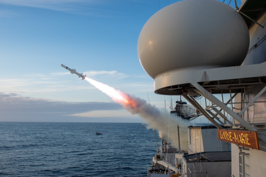 La frégate Louise Marie va tirer son 1er missile Harpoon ! Jbr_7110