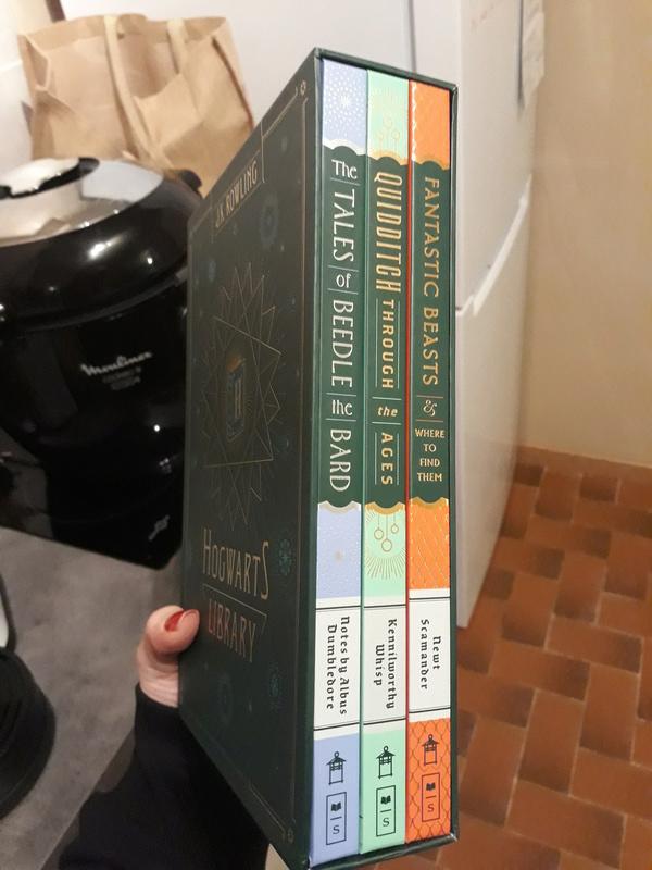 La Bibliothèque de Poudlard: les livres d'Harry  20180110
