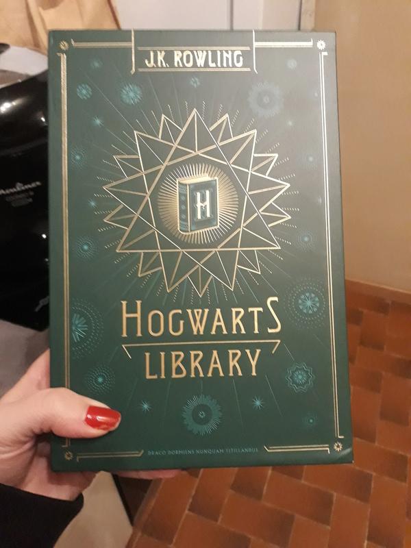 La Bibliothèque de Poudlard: les livres d'Harry  20180111