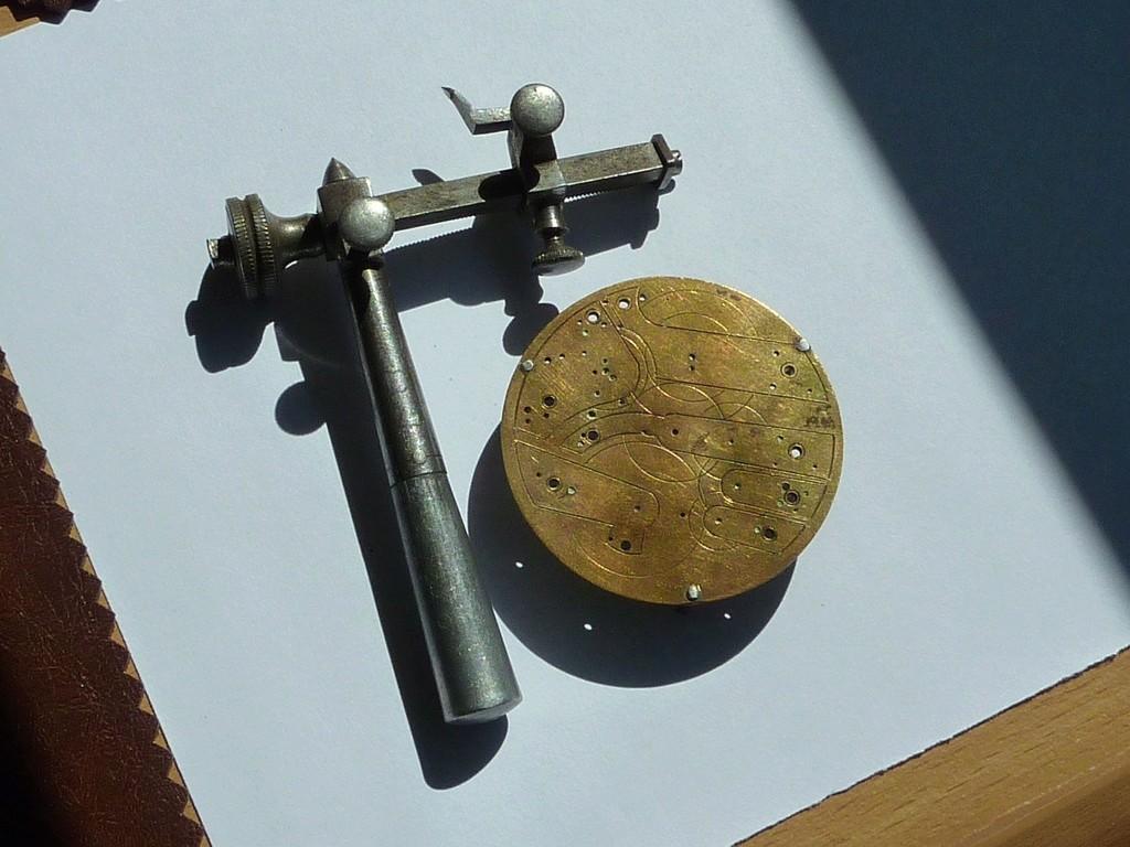 Outils d'horlogerie antiques? - Page 4 Out_di15