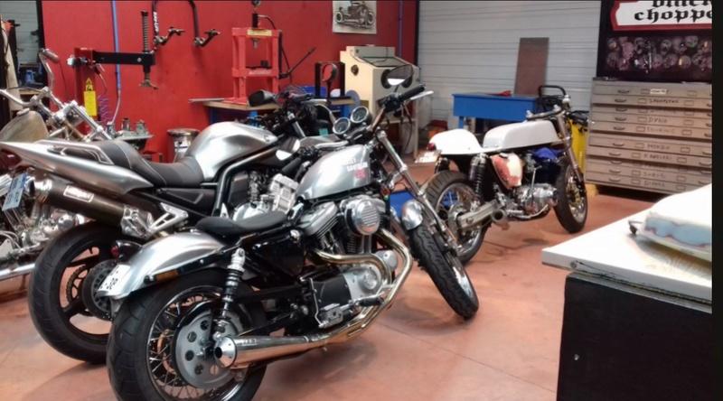 Mes autres !!! (Honda CB350, Harley 883) - Page 2 16011815