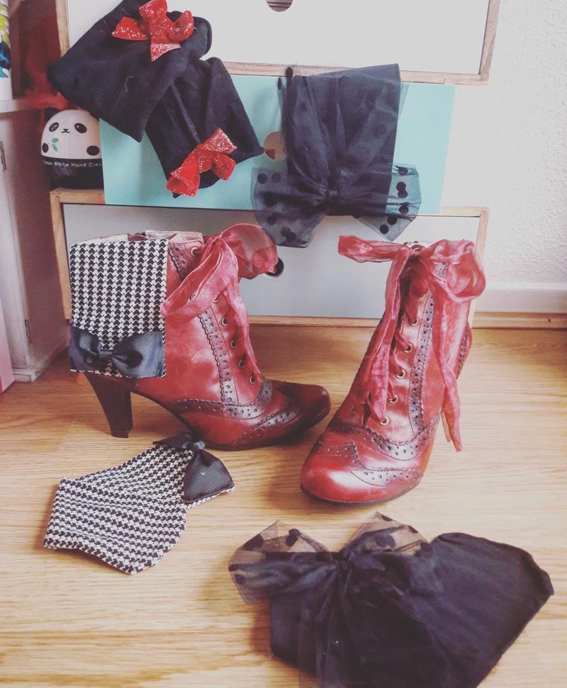 Parce que les filles, ça aime les poupées et les chaussures - Page 48 Bottin10