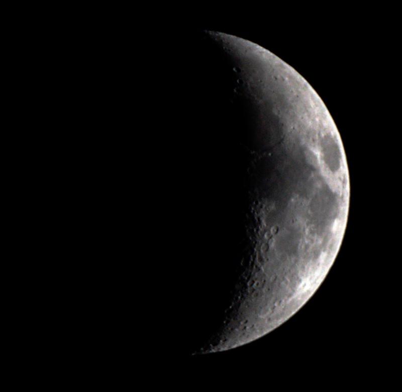 Lune au 500mm  Lune_110