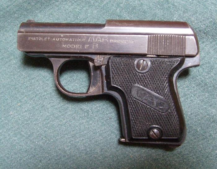 comment démonter un pistolet MAB 6,35  C017c211