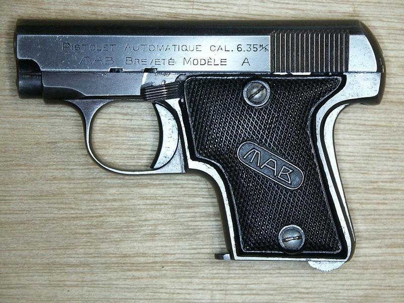 comment démonter un pistolet MAB 6,35  Mab_a_10