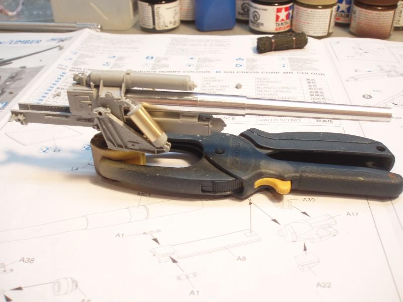 Dragon Sfh 18 howitzer w/Limber TERMINÉ P1190010