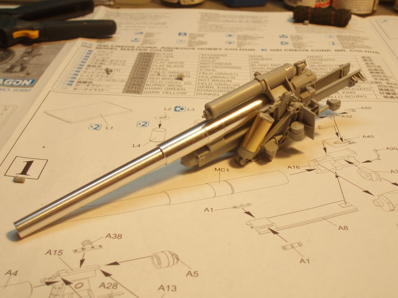 Dragon Sfh 18 howitzer w/Limber TERMINÉ P1190011