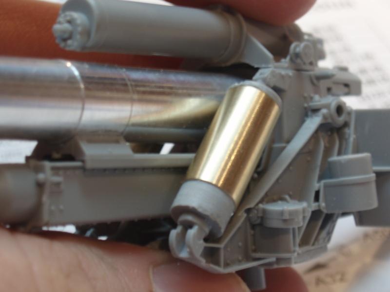 Dragon Sfh 18 howitzer w/Limber TERMINÉ P1190013