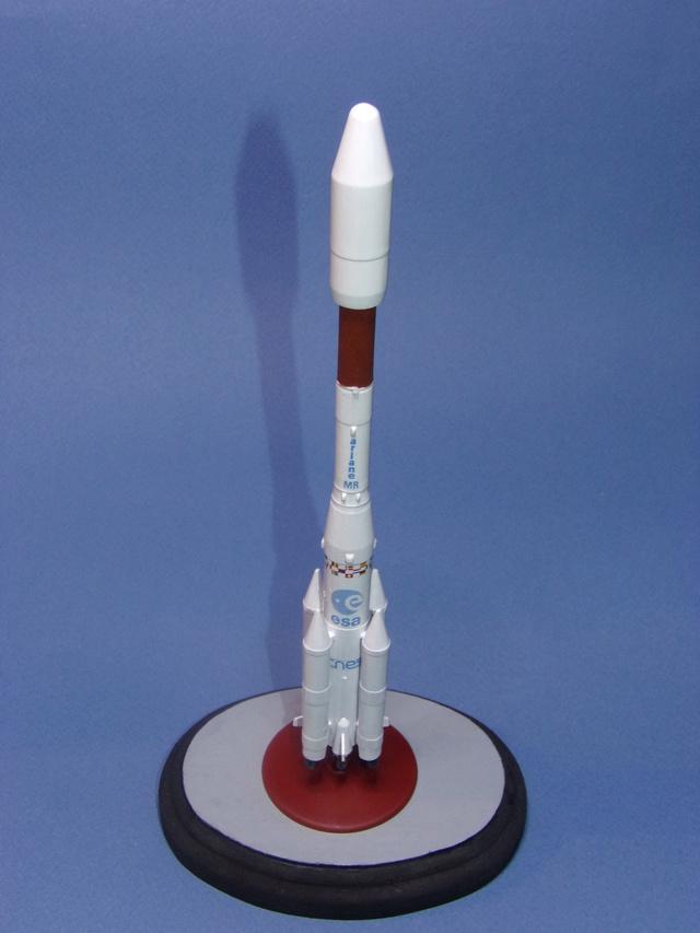 Fusée Ariane IV ( cadet). 100_0911