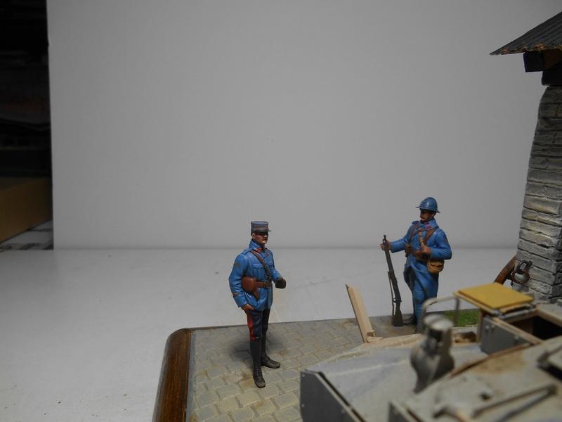 Vite fait en binôme - Figurines Metal Modèles 54mm - Char Schneider CA Hobby Boss 1/35e 40-sch23