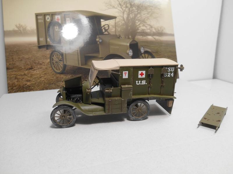 Ambulance Ford Modèle T 1917 - ICM - 1/35e Ambfor19