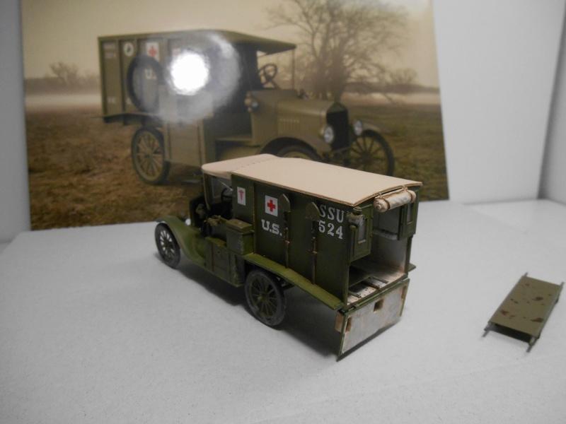 Ambulance Ford Modèle T 1917 - ICM - 1/35e Ambfor20