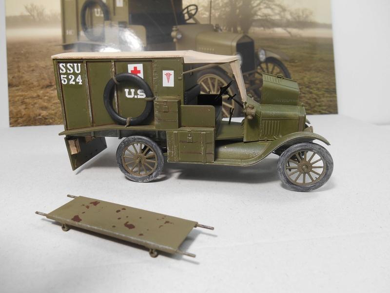 Ambulance Ford Modèle T 1917 - ICM - 1/35e Ambfor23