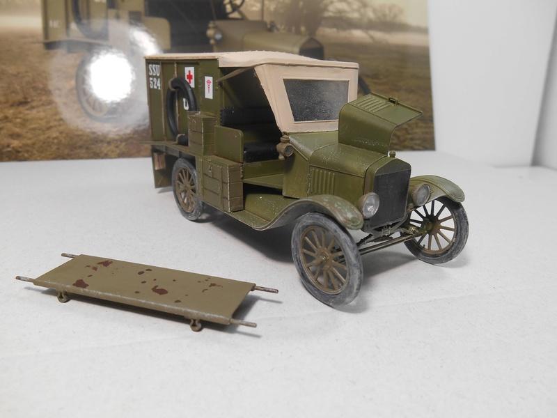 Ambulance Ford Modèle T 1917 - ICM - 1/35e Ambfor24