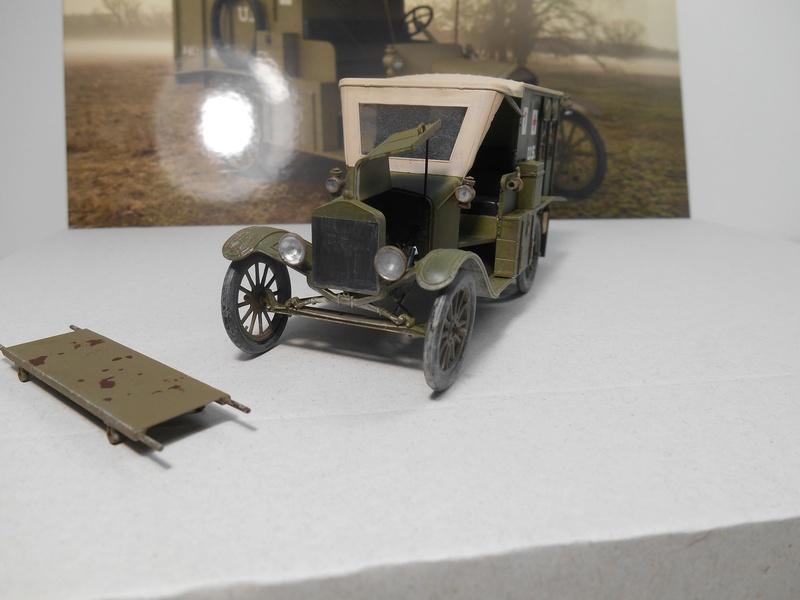 Ambulance Ford Modèle T 1917 - ICM - 1/35e Ambfor25