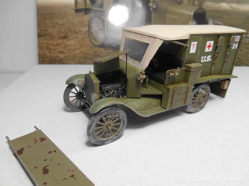 Ambulance Ford Modèle T 1917 - ICM - 1/35e Ambfor26
