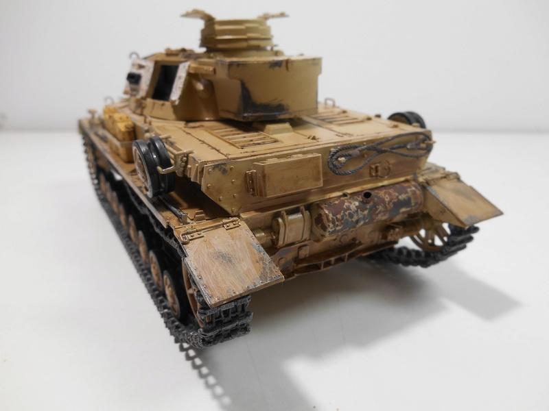 Un moment d'arrêt sur l'inutile... - Panzer IV - Italeri - 1/35e Pziv-r13