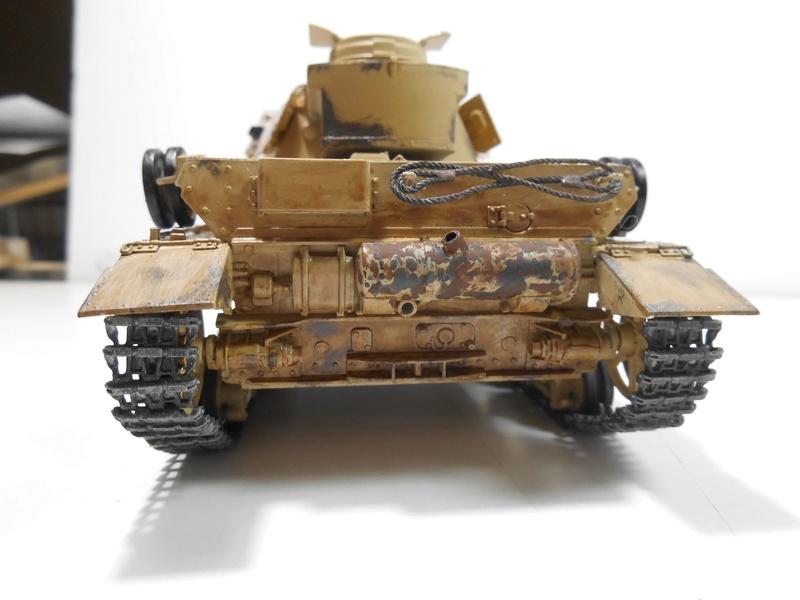 Un moment d'arrêt sur l'inutile... - Panzer IV - Italeri - 1/35e Pziv-r14