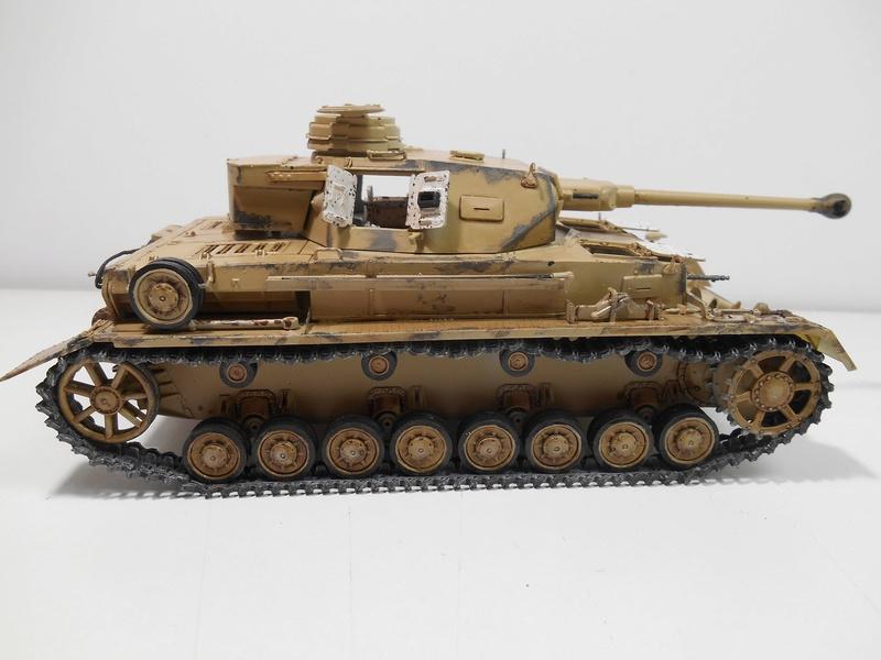 Un moment d'arrêt sur l'inutile... - Panzer IV - Italeri - 1/35e Pziv-r16