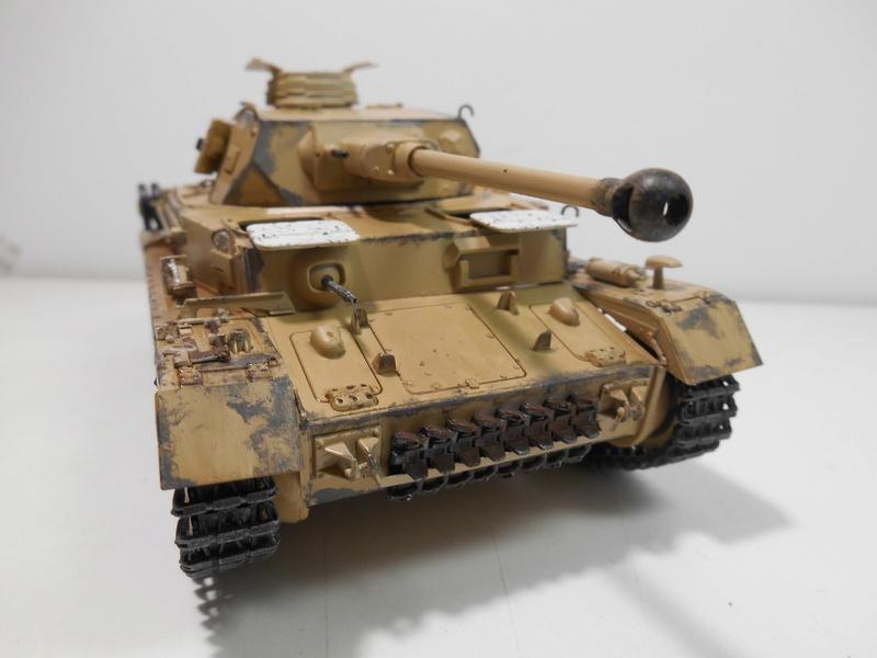 Un moment d'arrêt sur l'inutile... - Panzer IV - Italeri - 1/35e Pziv-r18