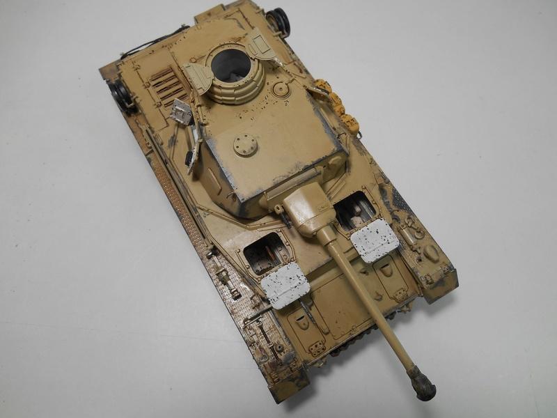 Un moment d'arrêt sur l'inutile... - Panzer IV - Italeri - 1/35e Pziv-r19