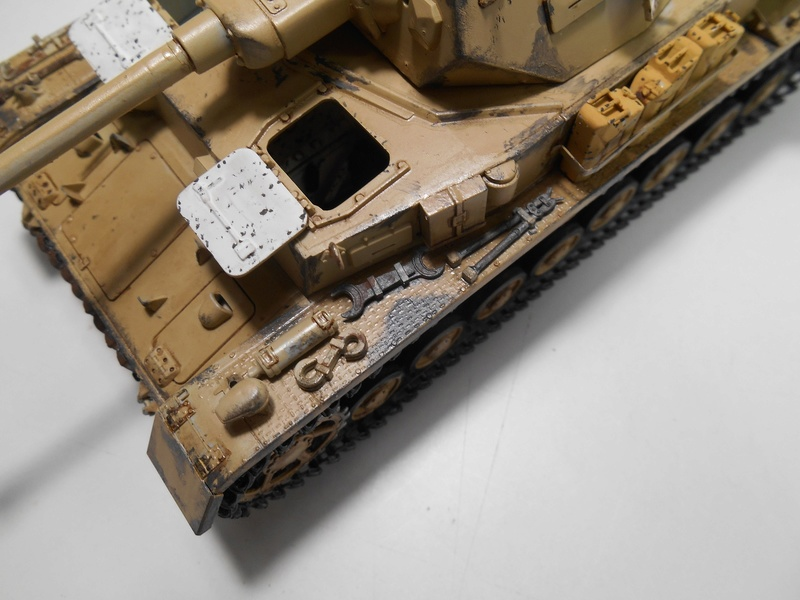 Un moment d'arrêt sur l'inutile... - Panzer IV - Italeri - 1/35e Pziv-r22