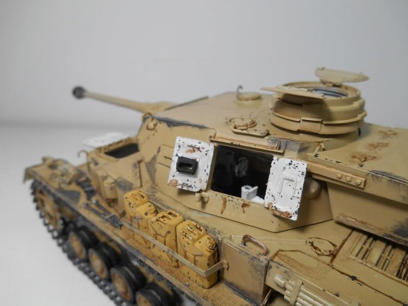 Un moment d'arrêt sur l'inutile... - Panzer IV - Italeri - 1/35e Pziv-r25