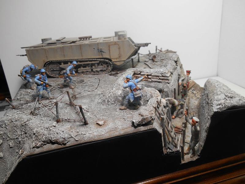 Août 1918 - L'espoir renaît - Saint-Chamond (Takom 1/35e) et figurines HISTOREX 1/32e puis figurines ICM 1/35e R40-ao13