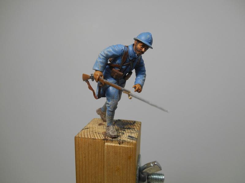 Août 1918 - L'espoir renaît - Saint-Chamond (Takom 1/35e) et figurines HISTOREX 1/32e puis figurines ICM 1/35e R40_0110