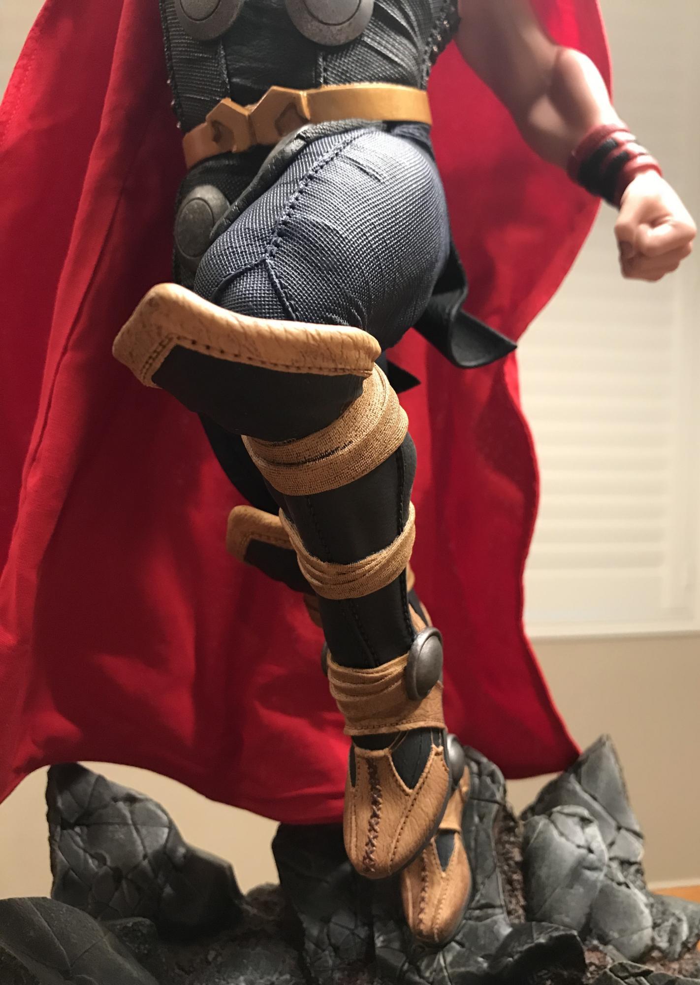 THOR – Avengers Assemble Statue  0f720d10