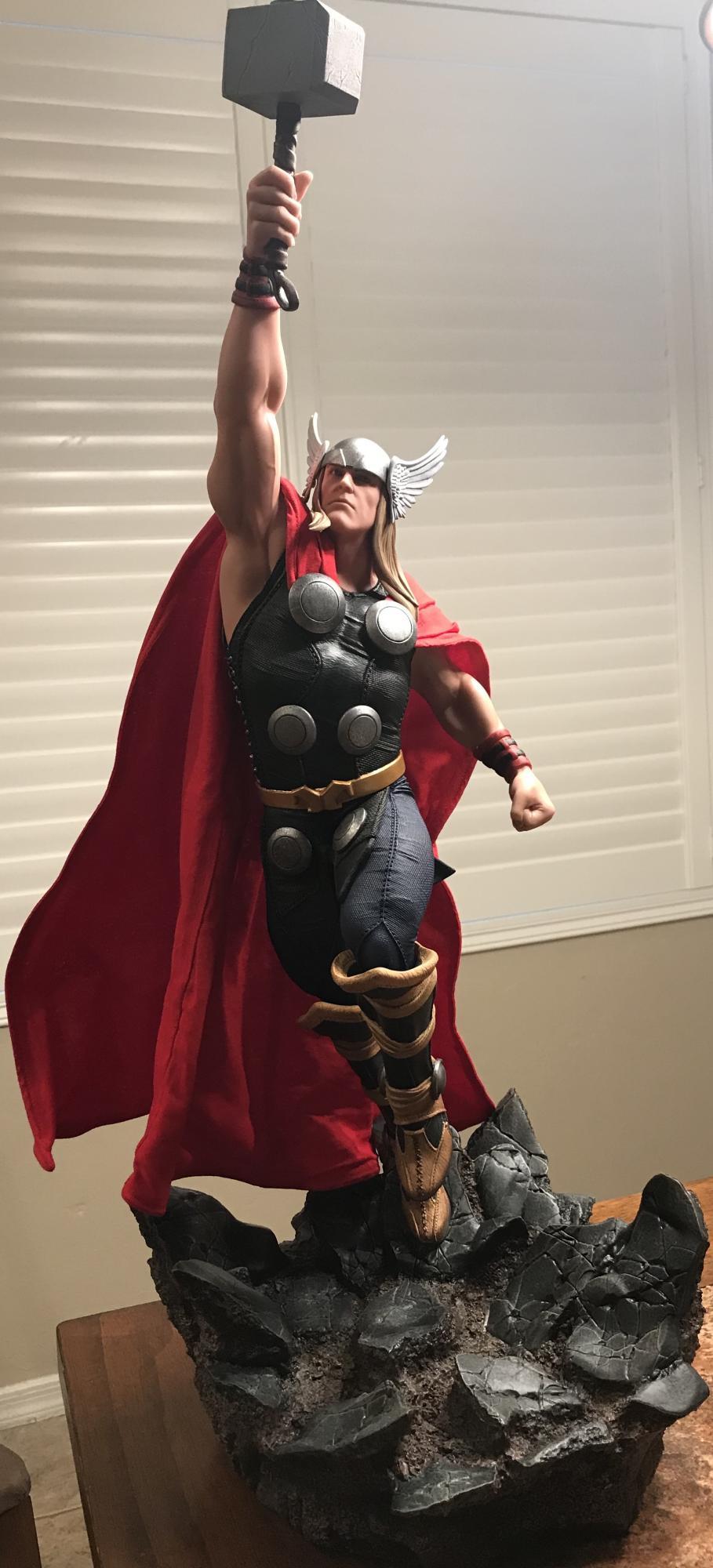 THOR – Avengers Assemble Statue  6d9ca210