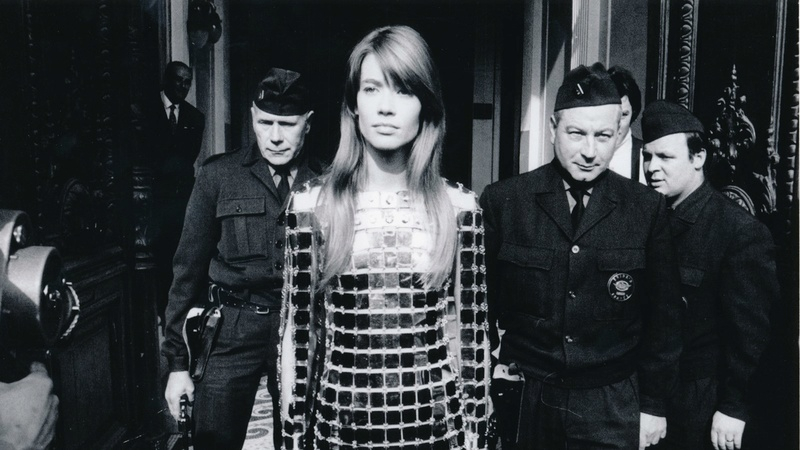 18 avril 2018 - Falling in Love With Françoise Hardy. Again (Ozy.com) 12244110