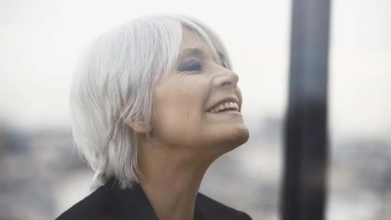 6 avril 2018 - Françoise Hardy, au royaume de la mélancolie (RFI) Franco22