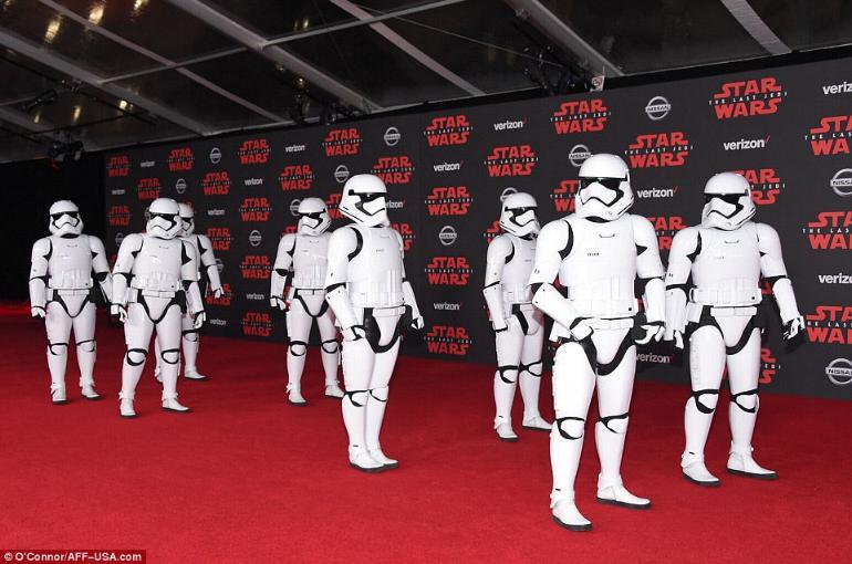 8 - Star Wars The Last Jedi - Les premières 3010