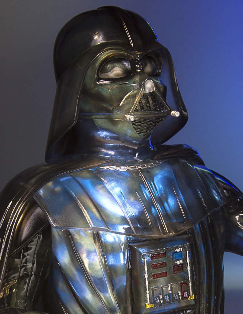 Gentle Giant Star Wars Emperor's Wrath Darth Vader mini bust Darthv15