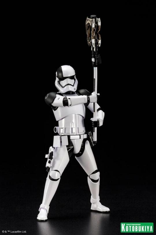Kotobukiya - First Order Stormtrooper Executioner ARTFX+ Execut15