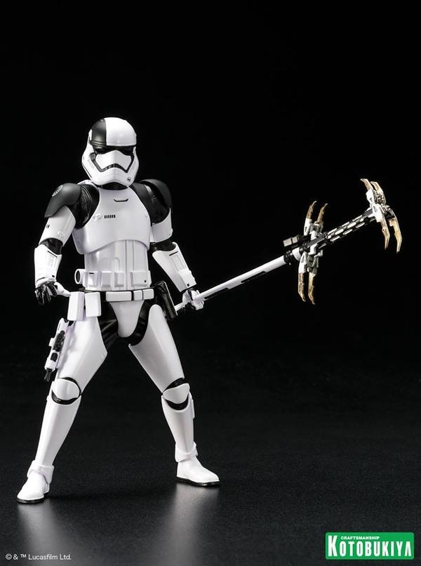 Kotobukiya - First Order Stormtrooper Executioner ARTFX+ Execut17