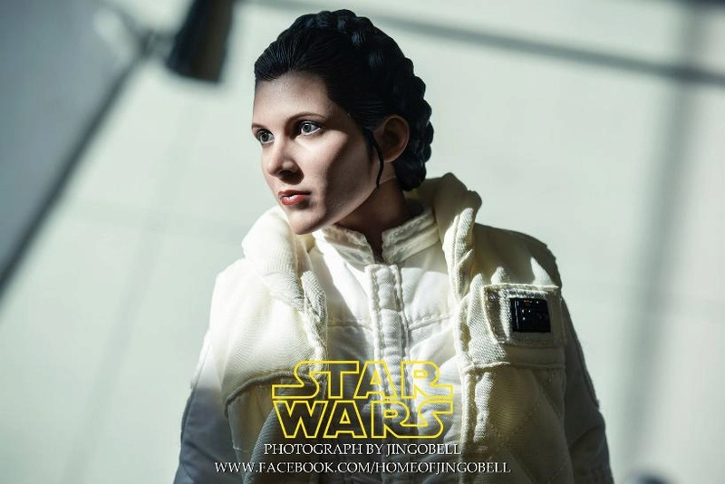 Star Wars: The ESB 1/6th scale Princess Leia Collectible Fig Leia_h16