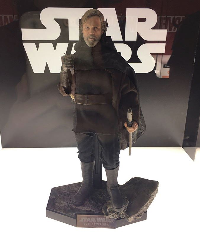 HOT TOYS - The Last Jedi - Luke Jedi Exile 1/6 scale figure Luke_e10