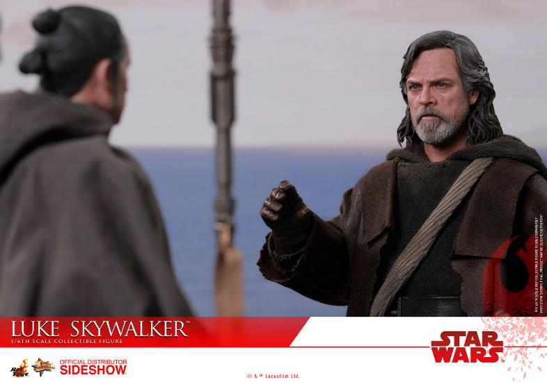 HOT TOYS - The Last Jedi - Luke Jedi Exile 1/6 scale figure Luke_e23