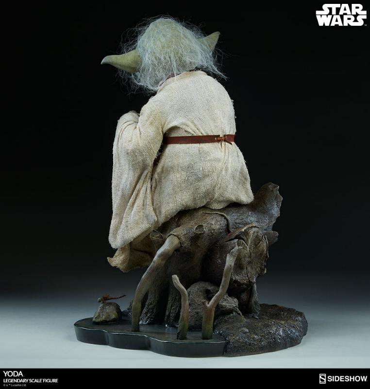 Sideshow Collectibles - Yoda Legendary Scale Figure Yoda_l16
