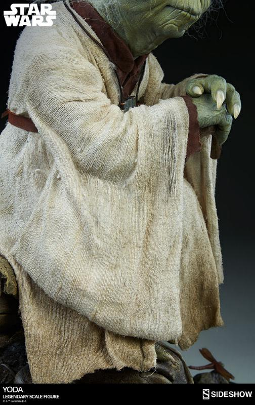 Sideshow Collectibles - Yoda Legendary Scale Figure Yoda_l24
