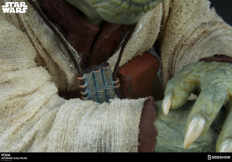 Sideshow Collectibles - Yoda Legendary Scale Figure Yoda_l25