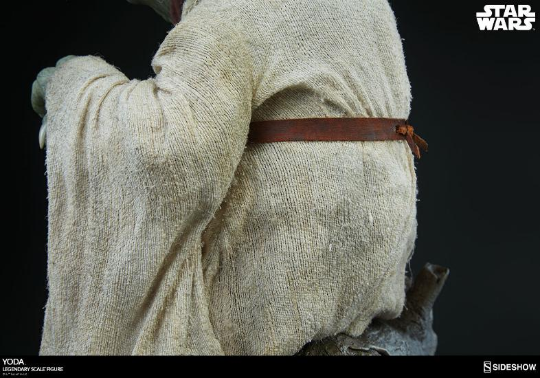 Sideshow Collectibles - Yoda Legendary Scale Figure Yoda_l26
