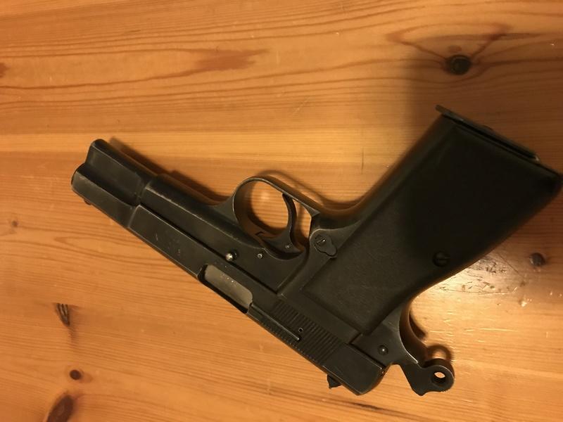 Pistolet Kareen Mk II israélien 0ec32810