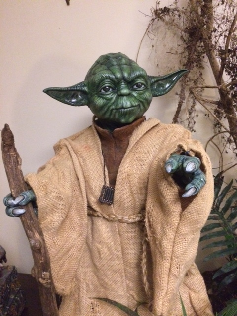 Customisation Yoda lifesized - Questions Yoda_j16